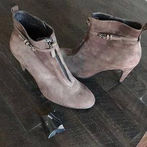 Ecco Brown Heeled Boots Size 40 US Size 9-9.5